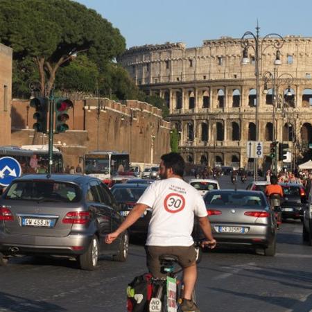bisiklet eylemi roma