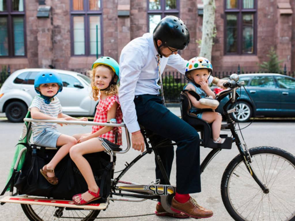 bisiklet için çocuk taşıma aparati