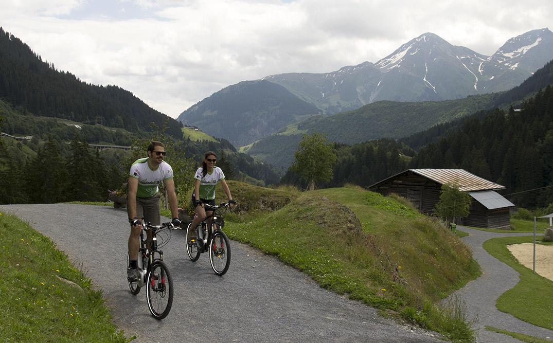 eşini bisiklete binmeye nasıl ikna edersin
