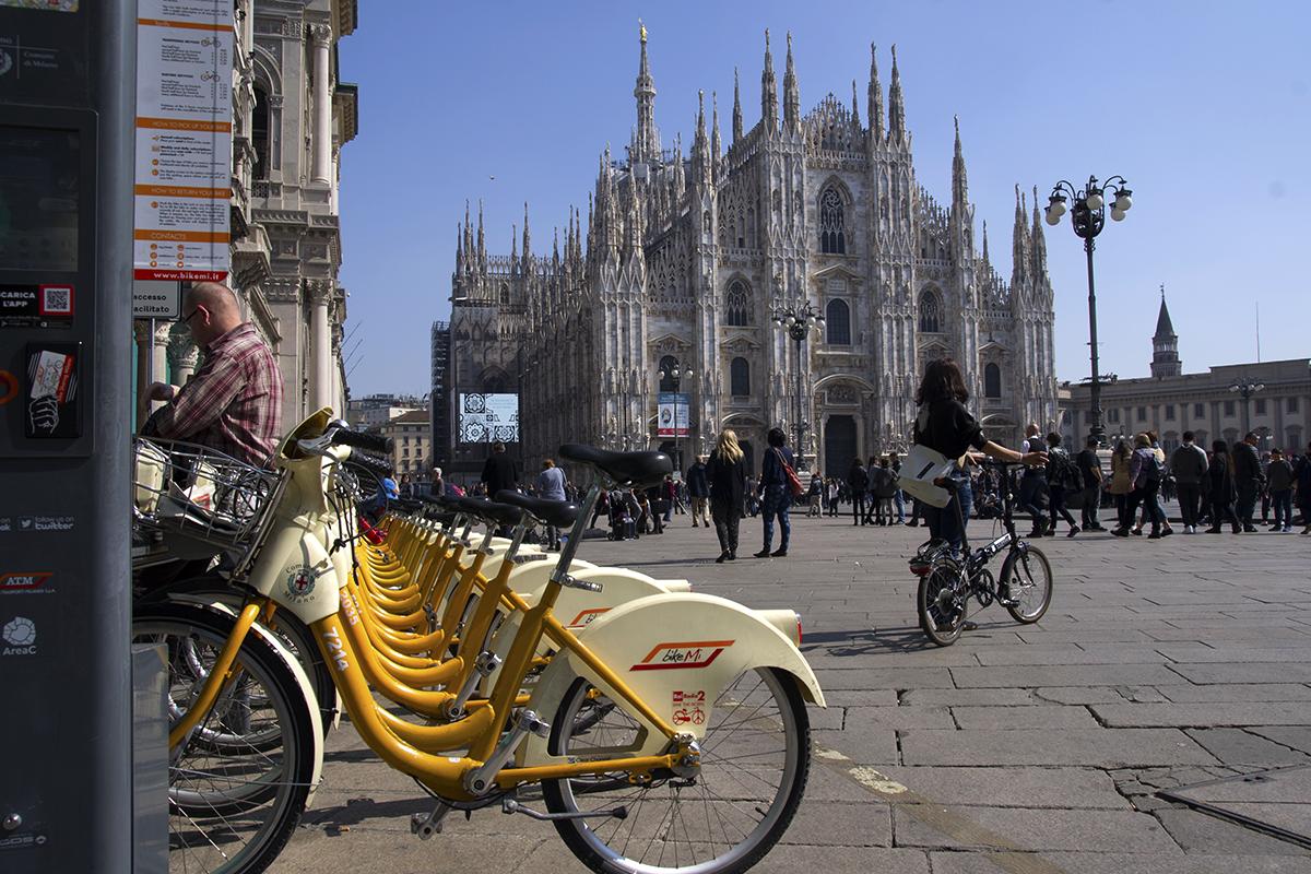 Milano Duomo BikeMi
