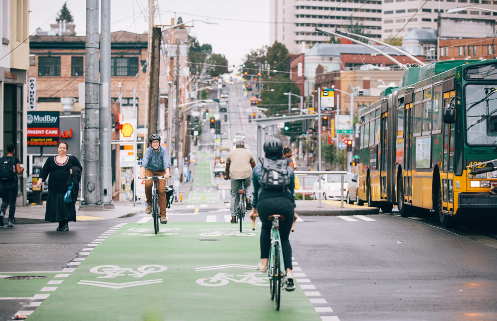 bisiklet icin guvenli kent bisiklet yolu
