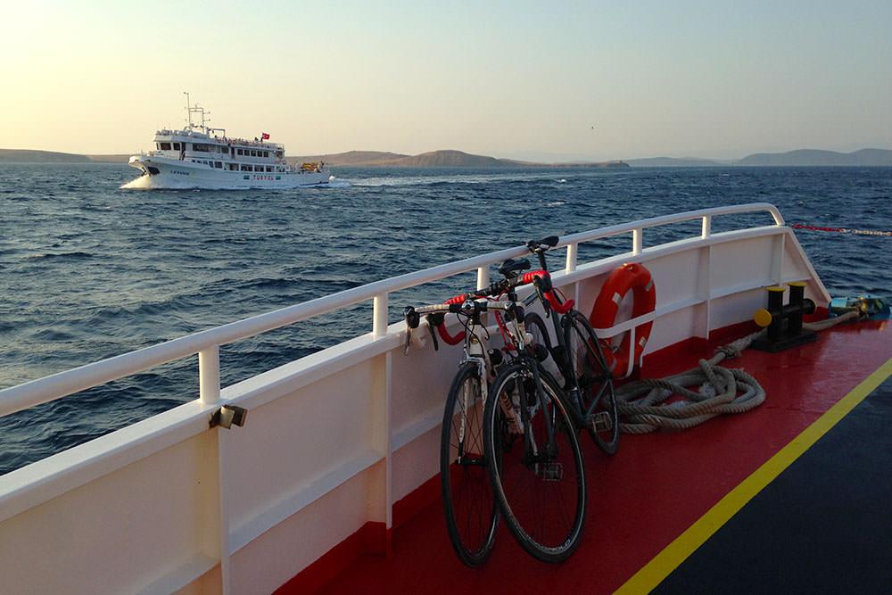 midilli ayvalik feribot bisiklet