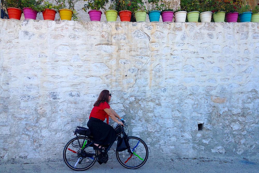 mugla-bisikletli-kadin