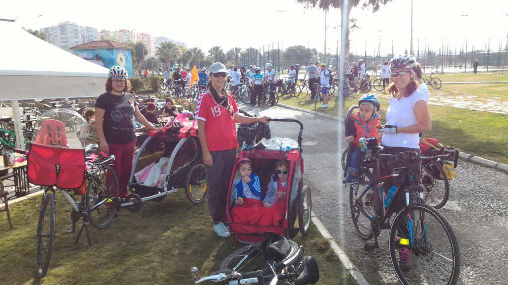 bisikletli anne